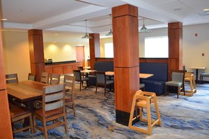 Restaurant - Fairfield Inn & Suites by Marriott Sault Ste Marie