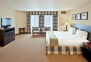 Suite - Holiday Inn Express Hotel & Suites Marysville