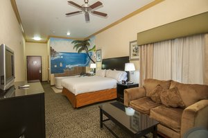 Suite - Holiday Inn Express Central Bakersfield