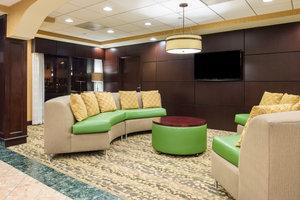 Lobby - Holiday Inn Express Bensalem