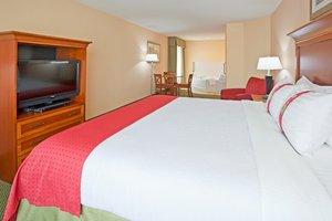 Room - Holiday Inn Otsego