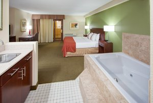 Suite - Holiday Inn Austin