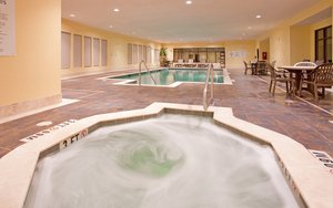 Pool - Holiday Inn Express Hotel & Suites St Robert