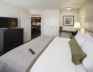Room - Candlewood Suites Farmers Branch