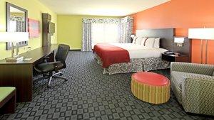 Room - Holiday Inn Garland