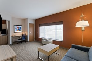 Suite - Holiday Inn Express Hotel & Suites Tavares