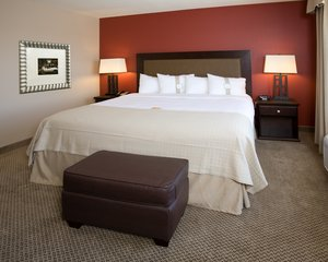 Room - Holiday Inn Hotel & Suites North Bakersfield