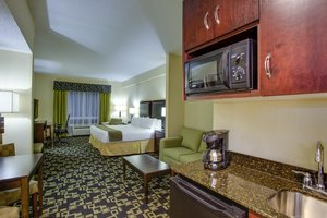 Suite - Holiday Inn Express Hotel & Suites SW Raleigh