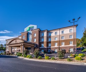 Exterior view - Holiday Inn Express Hotel & Suites Wytheville