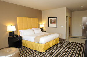 Room - Holiday Inn Express Covington