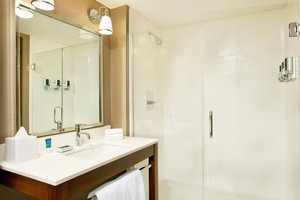 Room - Four Points by Sheraton Hotel Phoenix Mesa Gateway Airport