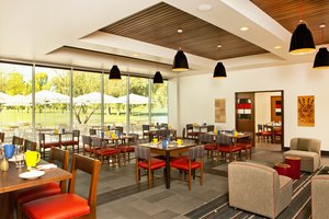 Restaurant - Four Points by Sheraton Hotel Phoenix Mesa Gateway Airport