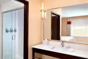 Room - Four Points by Sheraton Hotel Edmonton Airport Nisku