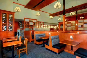 Restaurant - Four Points by Sheraton Hotel Edmonton