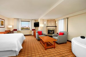 Suite - Four Points by Sheraton Hotel Edmonton Airport Nisku