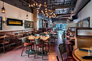 Restaurant - Four Points by Sheraton Hotel Kingston