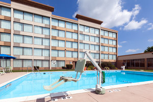 Pool - Holiday Inn Weirton