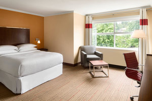 Room - Four Points by Sheraton Hotel Surrey