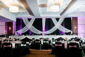 Ballroom - Four Points by Sheraton Hotel South Winnipeg