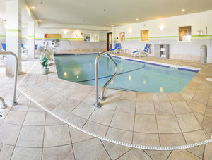 Pool - Holiday Inn Express Hotel & Suites Manchester
