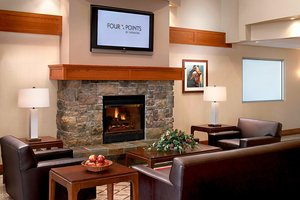 Lobby - Four Points by Sheraton Hotel Prince George