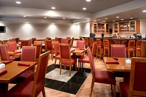 Restaurant - Four Points by Sheraton Hotel Prince George