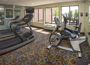 Fitness/ Exercise Room - Holiday Inn Express Hotel & Suites Manchester