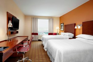 Room - Four Points by Sheraton Hotel Airport Calgary