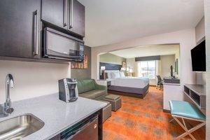Room - Holiday Inn Express Hotel & Suites Shawnee