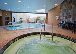 Pool - Crowne Plaza Hotel North Highlands