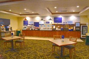 Restaurant - Holiday Inn Express Hotel Warners