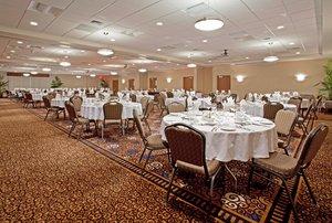 Ballroom - Holiday Inn Coliseum Fort Wayne