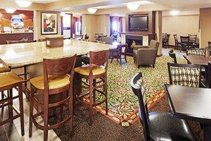 Restaurant - Holiday Inn Express Saugus