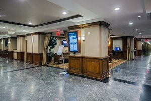 Lobby - Crowne Plaza Hotel Newark Airport Elizabeth
