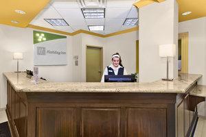 Lobby - Holiday Inn Hotel & Suites Bolingbrook