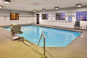 Pool - Holiday Inn Express Jantzen Beach Portland