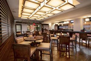 Bar - Crowne Plaza Hotel Wilmington North