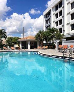 Pool - Holiday Inn Express Hotel & Suites Hialeah