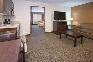 Suite - Holiday Inn Express Hotel & Suites North Pueblo