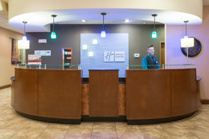 Lobby - Holiday Inn Express Hotel & Suites North Pueblo