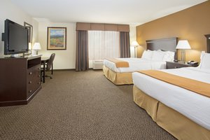 Room - Holiday Inn Express Hotel & Suites North Pueblo