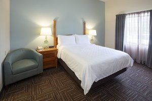 Room - Staybridge Suites Bloomington