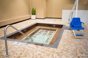 Pool - Crowne Plaza Hotel Airport Bloomington