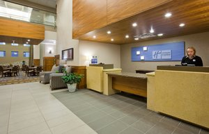 Lobby - Holiday Inn Express Hotel & Suites Mankato