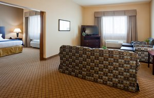 Suite - Holiday Inn Express Hotel & Suites Mankato