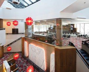 Lobby - Crowne Plaza Hotel Plainsboro