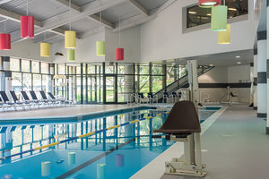 Pool - Crowne Plaza Hotel Plainsboro
