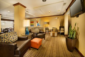 Lobby - Holiday Inn Express Hotel & Suites Chambersburg