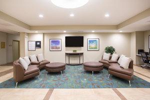 Lobby - Candlewood Suites Longmont