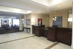 Lobby - Holiday Inn Express Pembroke